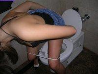 Toilet fun - pissing teengirls video